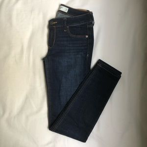 NWOT - Abercrombie & Fitch size 25 Dark Wash Jeans